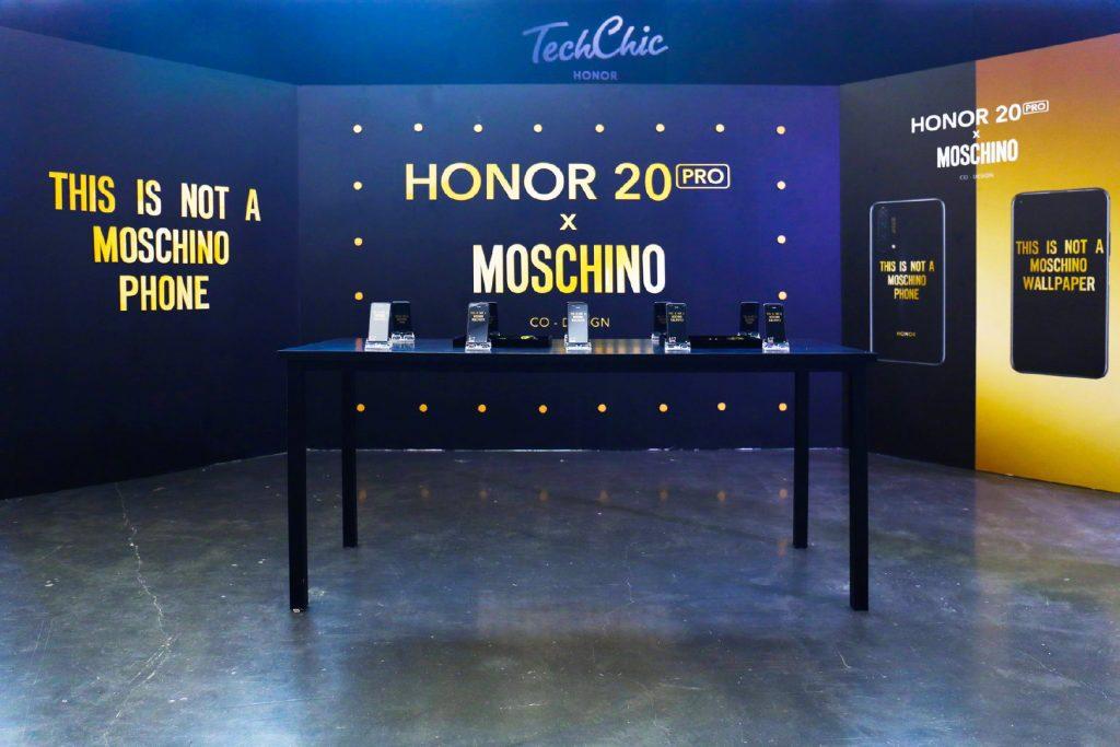 Kínában debütál a Honor 20 Pro x MOSCHINO